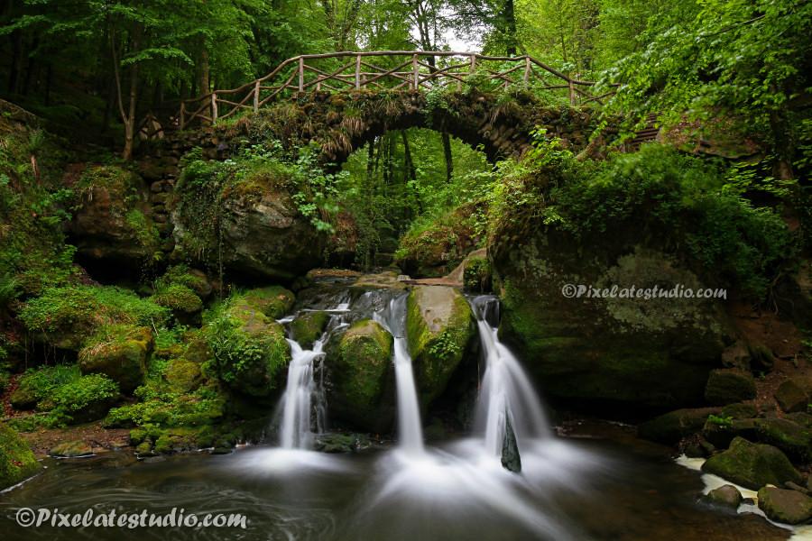 Mooie foto van de waterval in Mullerthal