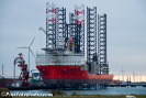 foto van de pacific orca, een offshore jack up vessel