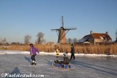 IJspret foto's van schaatsend nederland