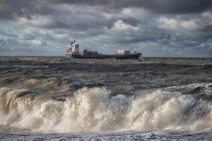 Foto gemaakt tijdens storm aan het strand bij Westkapelle