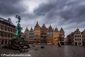 Herenhuizen op de grote markt van Antwerpen