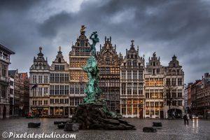 Brabo fontein op de grote markt in Antwerpen