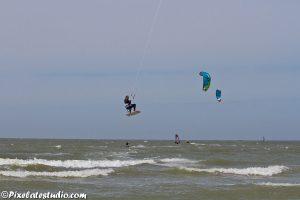 Kitesurfen , hoge sprongen