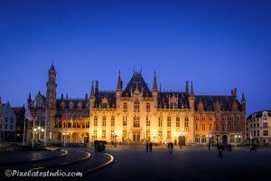 foto van stadhuis te Bruge