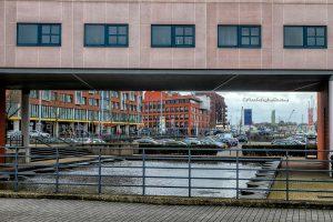 Abstracte foto van Terneuzen, met zicht op het schuttershof winkelcentrum