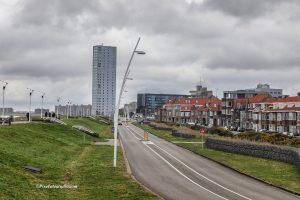 Foto van Terneuzen en het waterfront, foto genomen vanaf de dijk