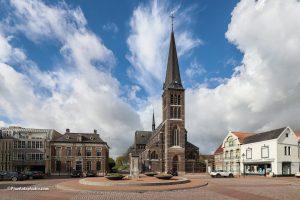 foto van de katholieke kerk van Sas van Gent